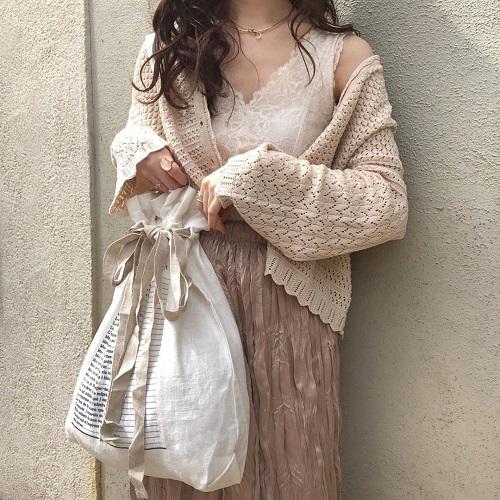 さりげない透け感がかわいすぎる「クロシェ編み」って知ってる?色っぽ女子になるためのマストアイテムなんです