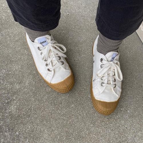 スニーカーだって差別化したい。「NOVESTA」のスニーカーはシンプルおしゃれで毎日履きたくなるんです
