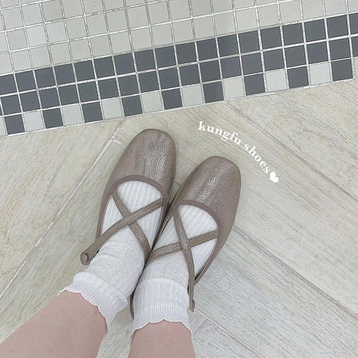 ナイスクラップの「カンフーシューズ」が発売早々大人気♡履きやすさとかわいさに虜になる人が続出中なんです…