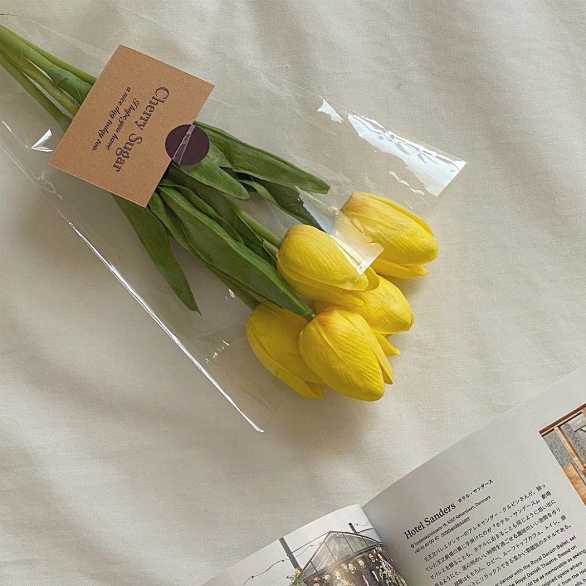 お部屋を韓国風にするなら「チューリップ」がマスト!造花インテリアがおしゃれ女子にブームなんです♪