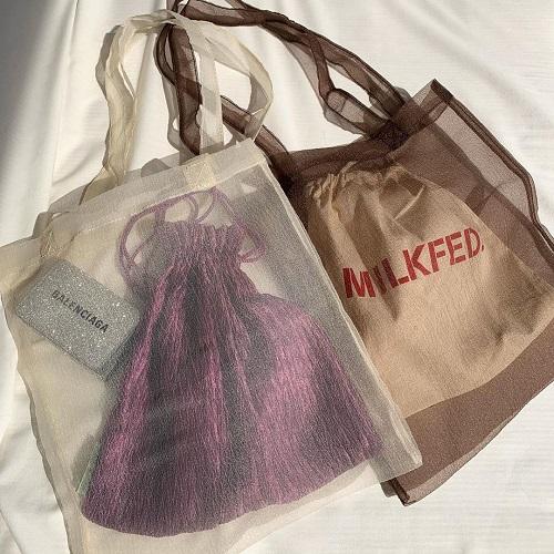 """今年はバッグも透けさせて…♡400円で買えちゃう""""Lattice""""の「オーガンジーバッグ」がトレンド感満載でした"""