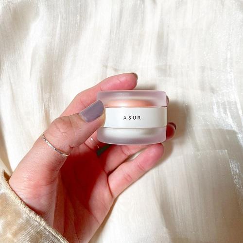 リップと練り香水が一緒になった「ASUR」って知ってる?コロンとしたコンパクトな見た目でかわいすぎる♡