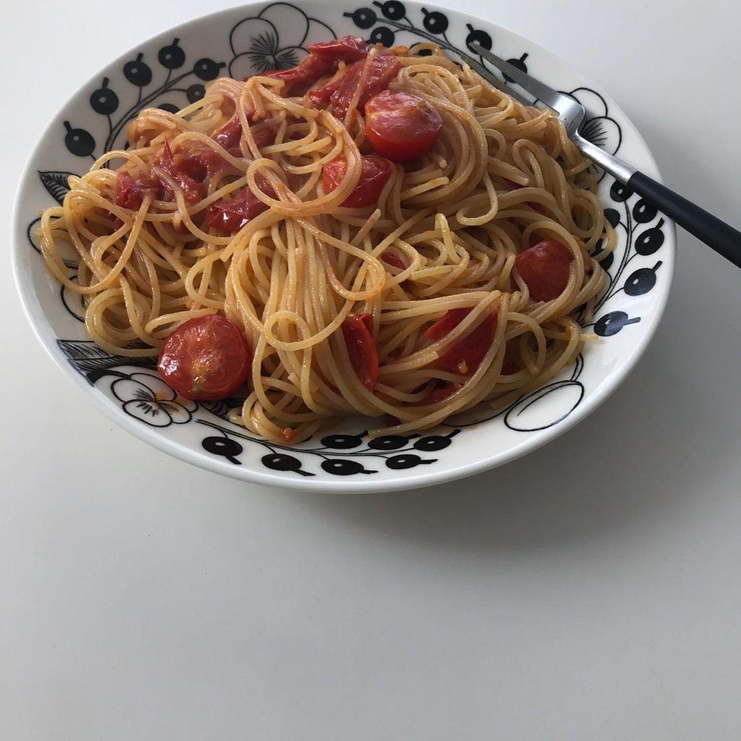 材料3つだけの「ポモ練」って知ってる?トマトと塩とオリーブオイルで完成するパスタが美味しすぎるんです