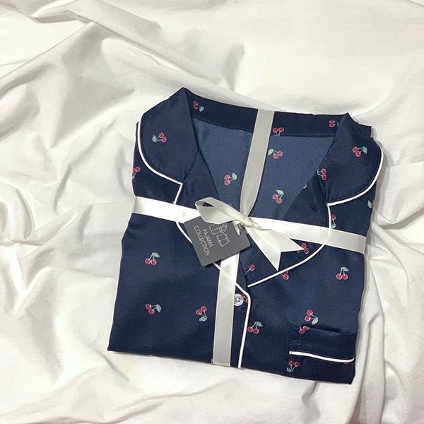 【GU】高見えする「新作サテンパジャマ」はもうチェックした?思わずイロチ買いしたくなるかわいさなんです♡