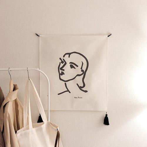 これ1枚でかなりハイセンス。おしゃルームに欠かせない「ファブリックポスター」でさみしいお部屋を格上げしよ