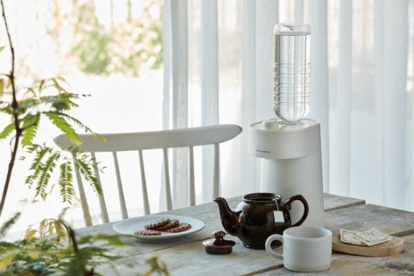 白湯がたったの2秒で作れちゃう!コンパクトなサイズ感で使いやすい「ホットウォーターサーバー」が新発売♡