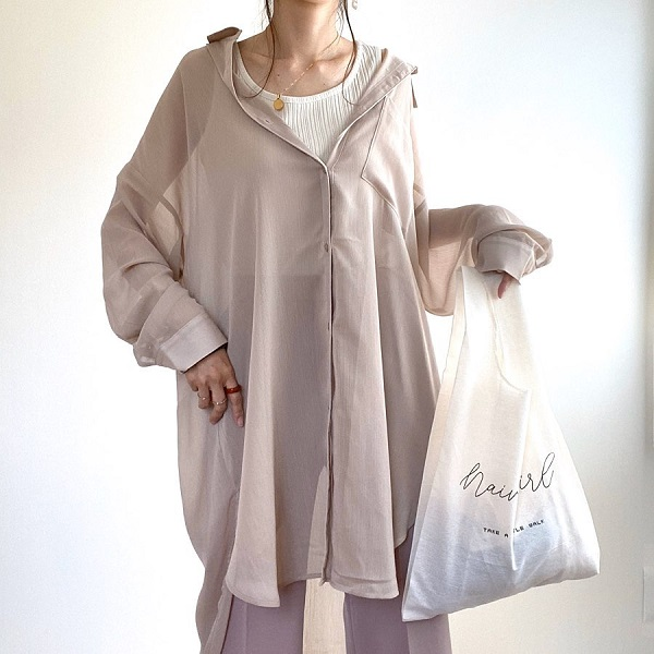 GUの「シアーロングシャツ」が夏のマストアイテムになる予感。この1枚でトレンドの透け感があるコーデに!
