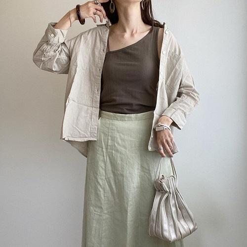 【GU】990円でシンプル大人コーデが叶うってほんと?高見え抜群「リネンブレンドスカート」は絶対にGETせよ