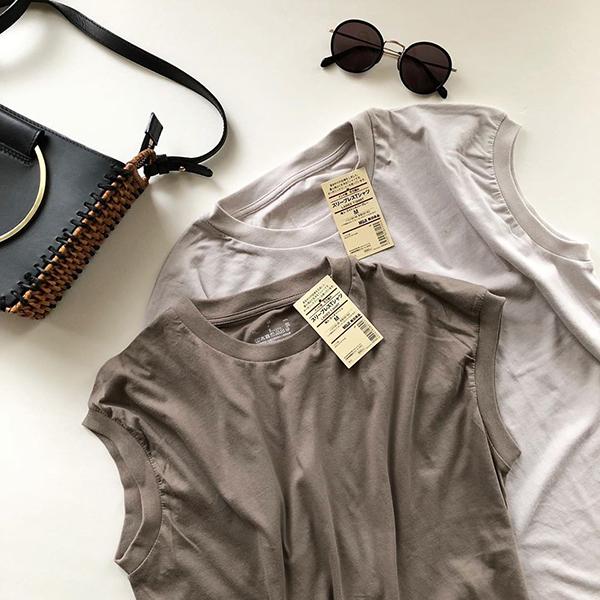 無印の隠れ名品「スリーブレスTシャツ」って知ってる?990円で形もカラーも絶妙な神トップスなんです◎
