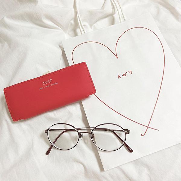 売り切れ続出の「JINS × イガリシノブ」をピックアップ♡女子の悩みを解決してくれる万能メガネなんです◎