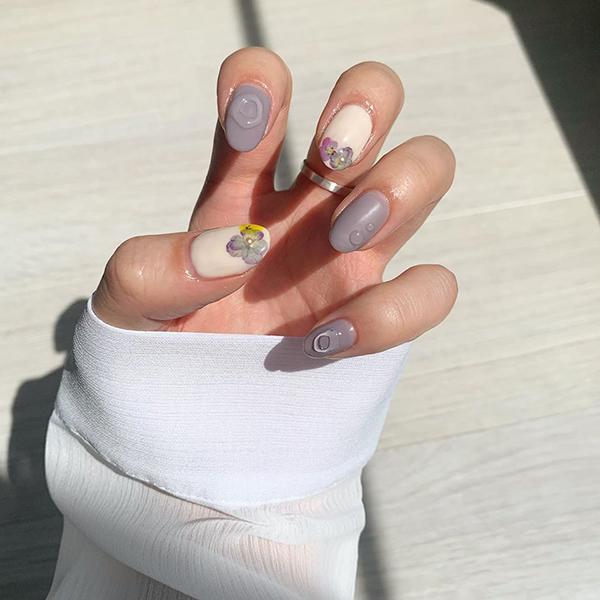 セルフでできる「紫陽花ネイル」のコツをご紹介♡花を見に行けないなら爪に塗っちゃえばいいんじゃない?