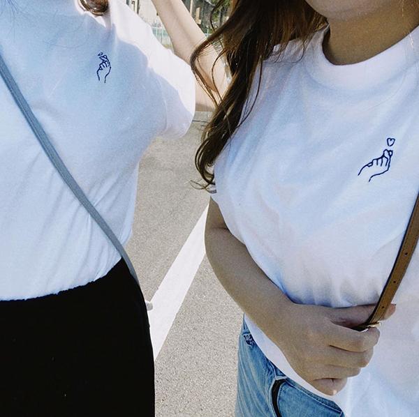 ちくちくするだけで普通の白Tがおしゃれに大変身?「刺繍Tシャツ」作りにハマる人が増えているんです♡