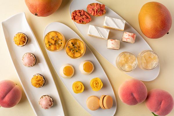 ピーチやマンゴーを使ったスイーツがずらり。「グランド ハイアット 東京」で夏のアフタヌーンティーがスタート