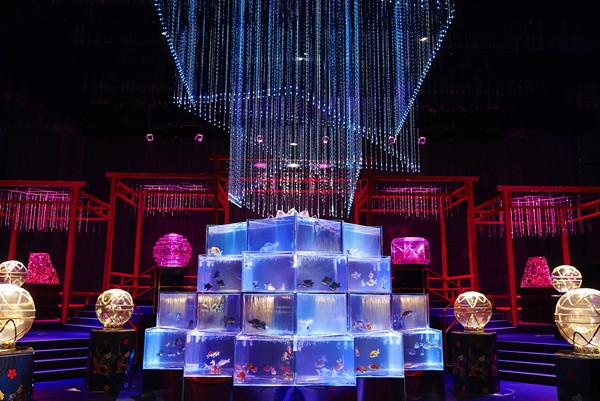 東京・日本橋に「アートアクアリウム美術館」がオープン!金魚たちが織りなす四季折々の空間に魅了されて♡