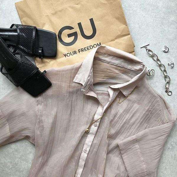 GUの「シアーシャツ」は1490円!プチプラのトレンドアイテムは、売り切れる前にGETしたい♡