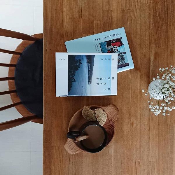 どこにも行けないこの夏…。お家でくすぶる旅行欲を満たしてくれる「旅エッセイ」4冊を集めてみました♡