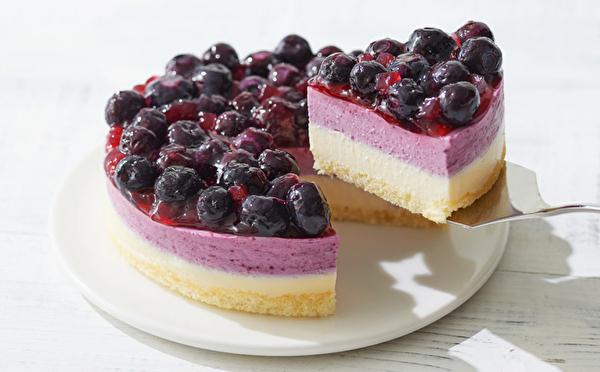 甘酸っぱいブルーベリーがこぼれ落ちそう♩旬がたっぷりつまったルタオの新作ケーキが夏限定で登場しました♡
