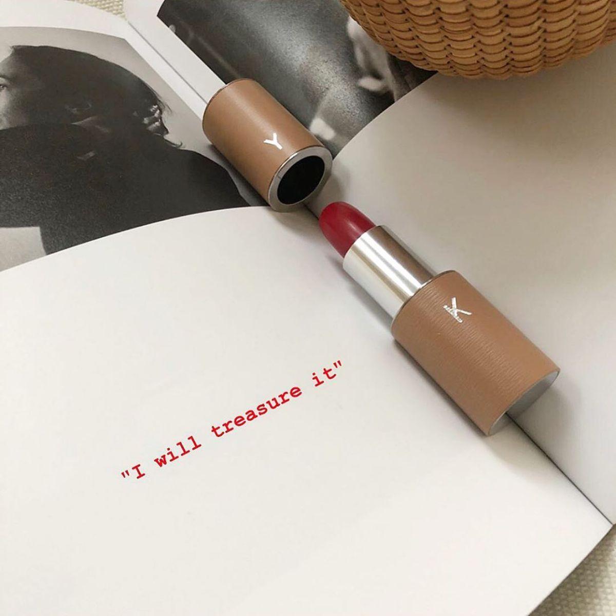 """やっと出会えた""""一生もの""""のリップ♡フランス発の「ラ ブーシュ ルージュ」がじわじわと人気を集めているんです"""