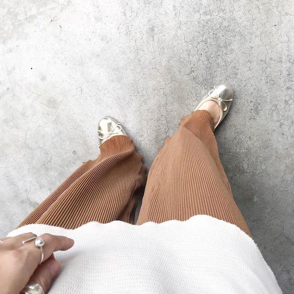 【GU】トレンドのプリーツパンツが1990円なんて信じられない…秋まで履けるから持っておいて損はなし◎