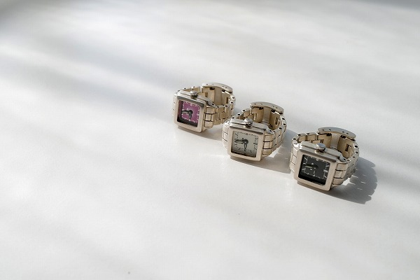 """""""指""""につける時計って素敵。本格的な「moco」の指時計は大切なあの人と身につけたい"""