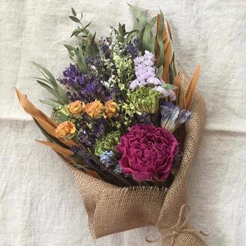 廃棄される花に命を吹き込む「フラワーサイクリスト」たちのショップがルミネ新宿に期間限定オープン♩