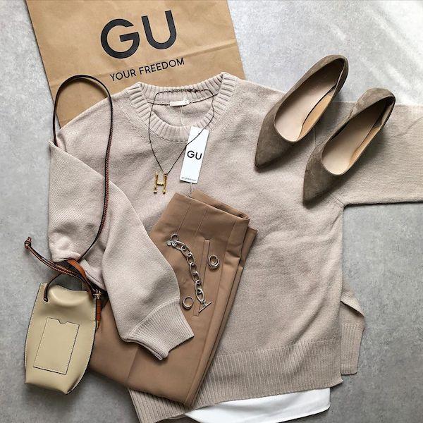 簡単に旬コーデが完成する、GUの隠れ名品みっけ。「セーター&インナー」のセットアイテムは要チェック◎