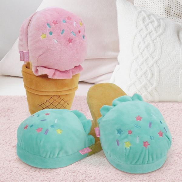 さむ~い冬の足元をアイスが守ってくれる!?ふわふわの履き心地のキュートなアイスクリームスリッパが登場です♪