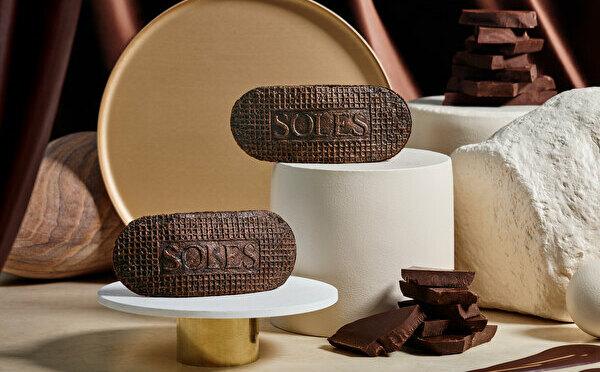バター香るゴーフレット専門店「SOLES GAUFRETTE」に初フレーバー、大人の「ダークショコラ」がお目見え♡