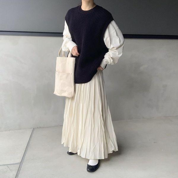 無印良品の新作「ワッフル編みベスト」はもうチェックした?シンプルデザインだから着回しも楽しめる♡