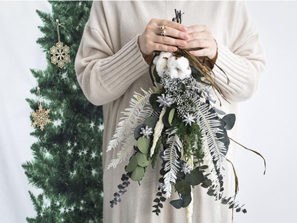 クリスマスにぴったりのハンドメイドキットの販売がスタート♩今年は自作のスワッグやリースを飾ってみない?