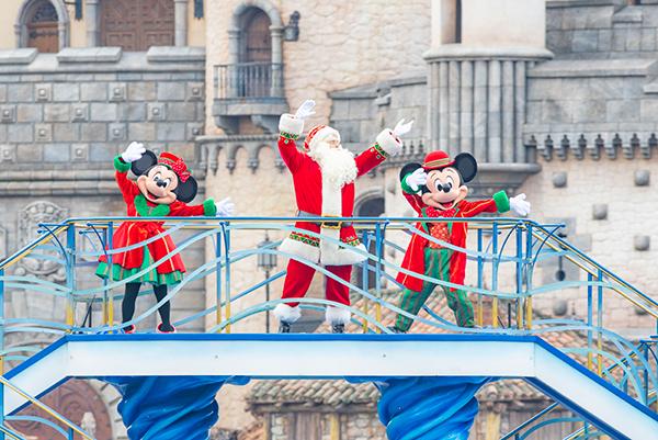 東京ディズニーランド&東京ディズニーシーのクリスマス♡楽しいプログラムや限定フードなど魅力いっぱいです