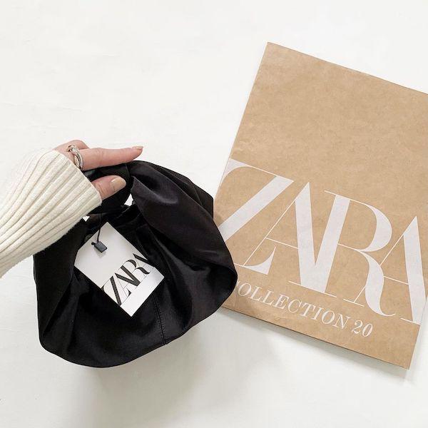 ちっちゃい巾着みたいなフォルムに一目惚れ。ZARAのサテンバッグはプチプラなのに高見えする優秀アイテムです