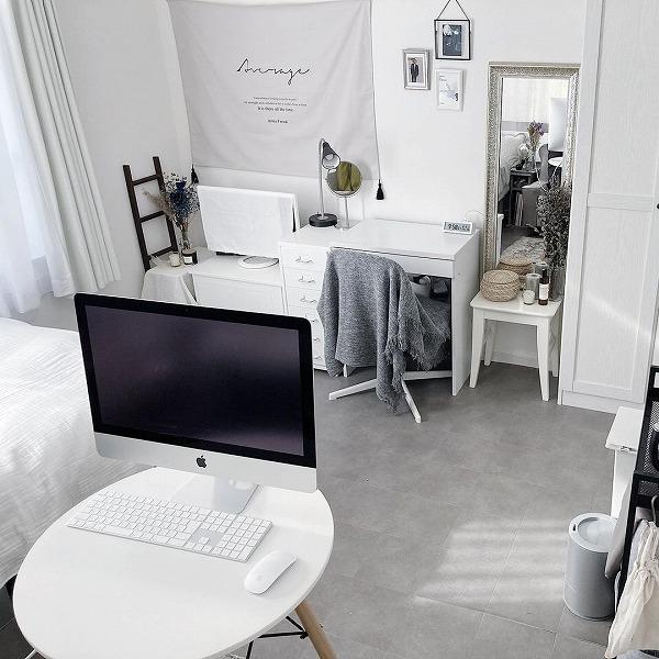 バーチャル背景いらずのお部屋をつくりたいっ。オンラインで自慢できる「ミニマルなお部屋」改造計画