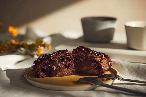 CHOCOLATE BANKのチョコ使用。焼きたてカスタードアップルパイ『RINGO』の期間限定商品がおいしそう!