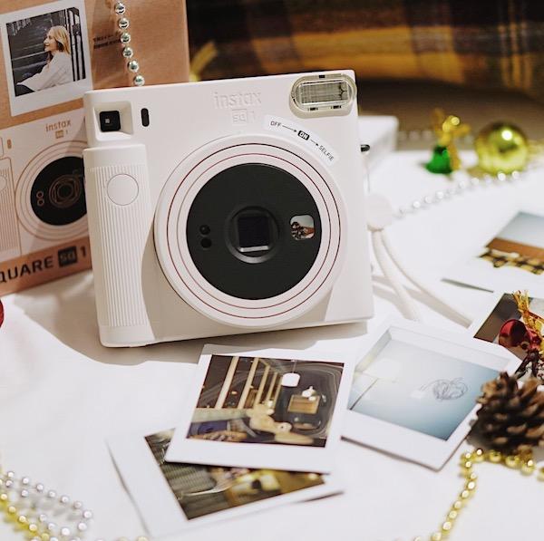 特別な思い出は「チェキ」で残そ。新作モデルなら、カメラ初心者さんでも簡単におしゃれ写真が撮れちゃう