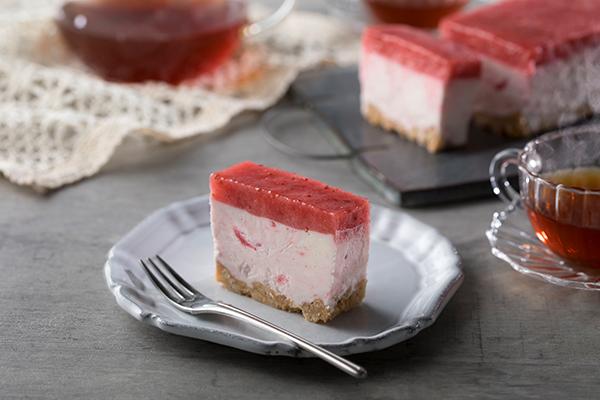 """買えるのはオンラインだけ。いちごスイーツ専門店「いちびこ」から""""すっぴん苺のレアチーズケーキ""""が新登場"""