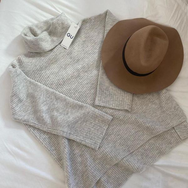 GUで今買うなら「ボクシータートルネックセーター」がおすすめ!990円に値下げされた今がゲットの大チャンス