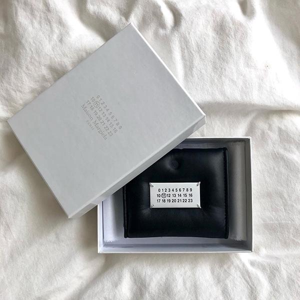 【祝成人】そろそろ憧れブランドのお財布が気になるお年頃。ハタチのお祝いにほしいブランド5選