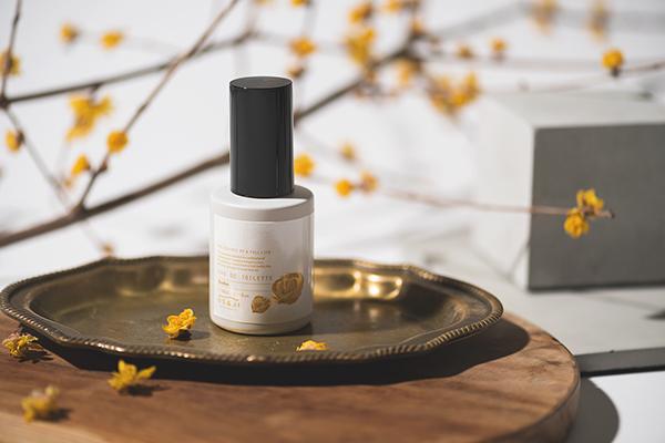 柔らかな甘さとフルーティさを感じる香り。OSAJIの「オードトワレ」から季節限定の『蝋梅』が登場しました