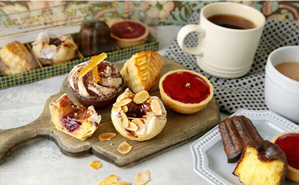 おうち時間にうれしいカヌレやプチタルトを詰め合わせ。神戸のパティスリーの焼菓子セットがオンラインに登場