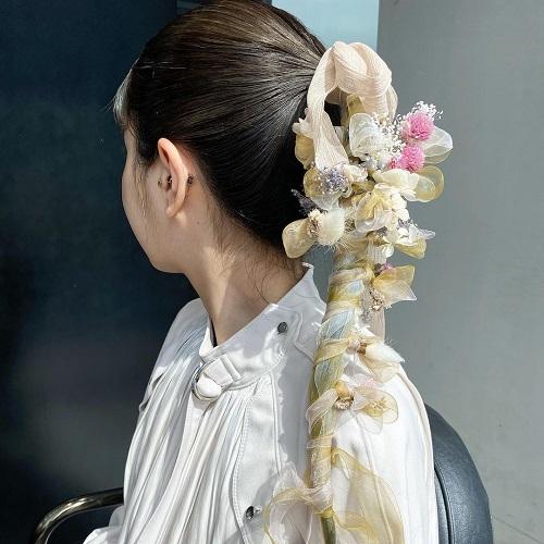 お花×ふわふわリボン=最強。enchanted flowerの「flower ribbon」はお祝い事のヘアに使いたいんです