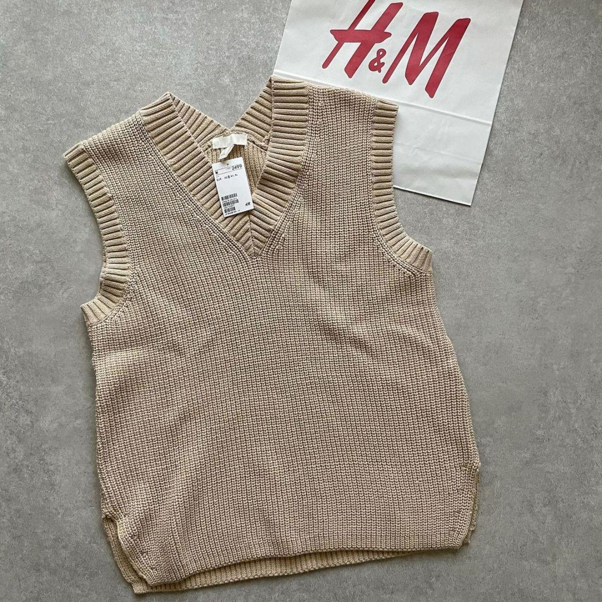 """【H&M】今買うべきなのは春まで使える""""淡色アイテム""""。抜け感を演出できるプチプラおしゃれ服5選"""