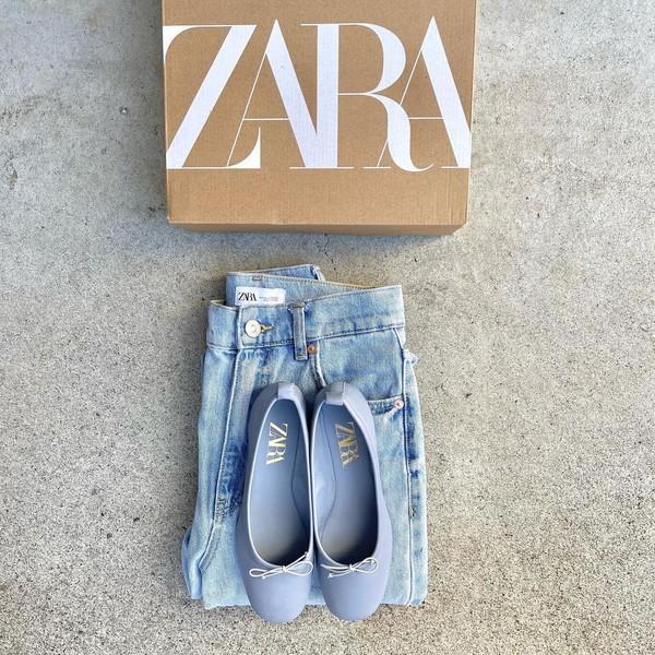 ZARAでおしゃれ上級者が今買うのはリアルレザーのバレリーナシューズ。足元が華やぐ明るい色をチョイスして
