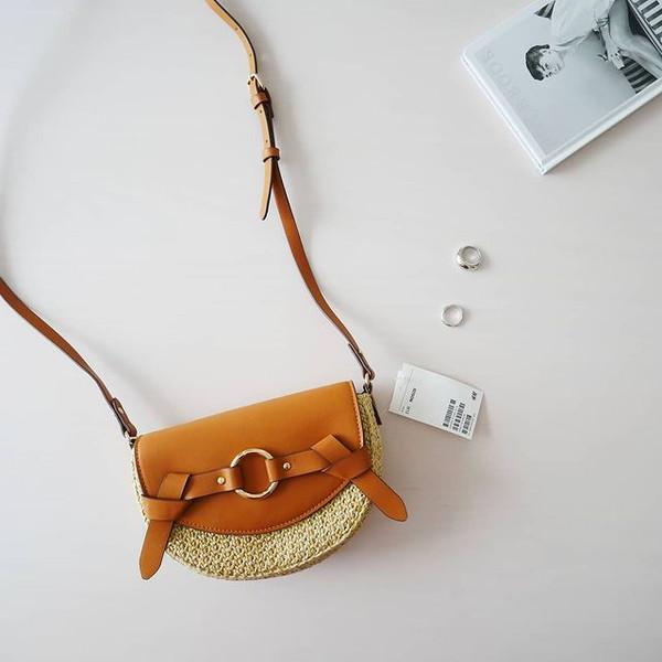 【H&M】1799円に見えない!どんなコーデも春夏っぽく変えてくれる「サドルバッグ」は絶対買いなんです