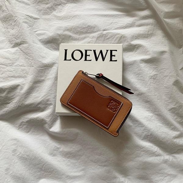 ミニ財布の悩みは収納力!「カードケース」をGETして、あなたもおしゃれなミニマリストさんになりませんか?