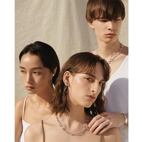 """新ジュエリーブランド「SARARTH」が誕生。""""素材の美しさ""""と""""肌へのやさしさ""""を両立させた商品に注目です"""