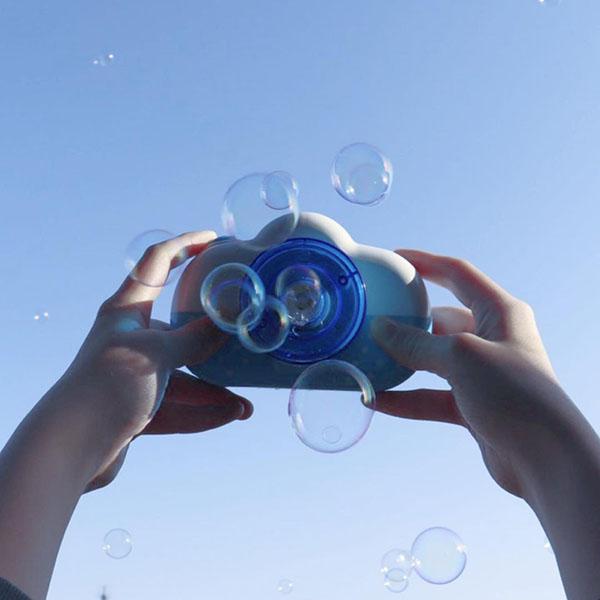 """写真は撮れないけど映え!300円で買えるダイソーの""""バブルカメラ""""がエモかわいいと話題沸騰中"""