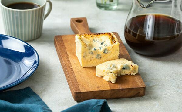 濃厚×刺激的な、生ブルーチーズケーキ「青」が名古屋初上陸。1週間限定で名古屋PARCOにオープンします