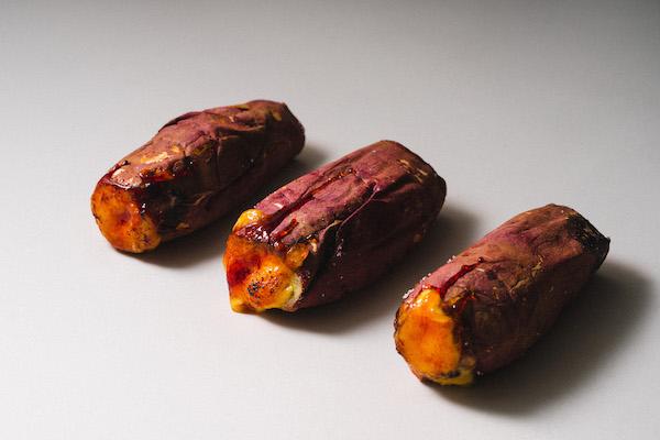 ジュワッと炙られたクリームがたまらない。お芋スイーツ「壺芋ブリュレ」がお取り寄せできるようになりました!