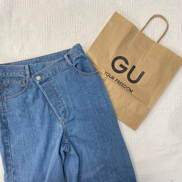 【GUレポ】またもや名品デニムみっけ!「クロスフロントジーンズ」は身長に関係なく誰でも美脚が叶っちゃう